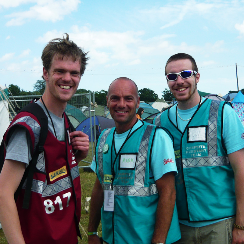 how-to-work-at-festivals-and-who-to-contact_latitude-festival-quest-mark-and-volunteer_800PxSq72Dpi.jpg